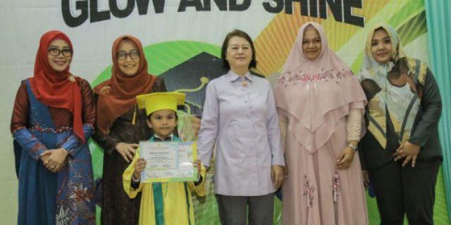 Hadiri Wisuda Sekolah Bunga Matahari, Dyah Erti: Bentuklah Karakter yang Baik